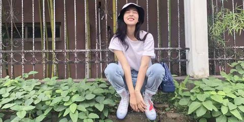 Beauty, Botany, Snapshot, Leaf, Leg, Plant, Sitting, Garden, Photography, Shoe,