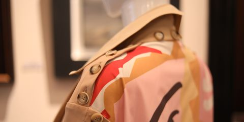 Shoulder, Pink, Trench coat, Outerwear, Street fashion, Coat, Jacket, Beige, Fashion accessory, Sleeve,