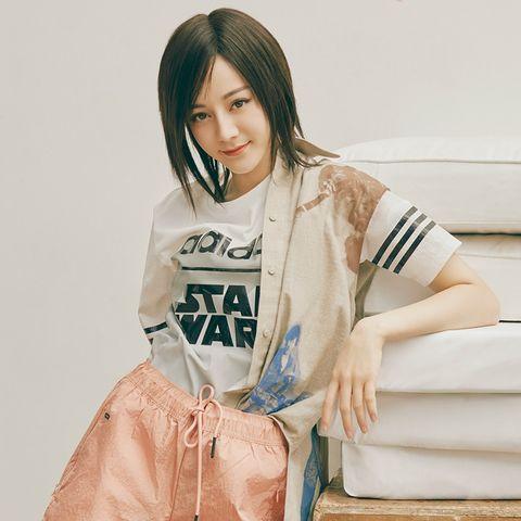 Clothing, Japanese idol, Skin, Beauty, Leg, Outerwear, Gravure idol, Sitting, Bangs, Long hair,