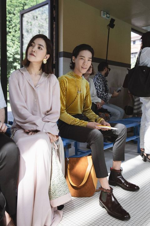 Sitting, Fashion, Leg, Event, Fashion design,