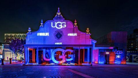 Landmark, Light, Lighting, Night, Purple, Stage, Architecture, Facade, Building, Performance,