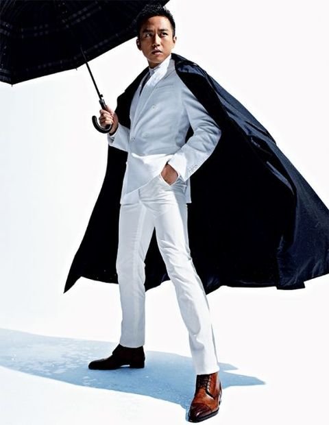 Clothing, Fashion, Outerwear, Umbrella, Formal wear, Suit, Footwear, Costume, Coat, Photography,