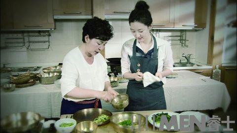 Cook, Cooking, Food, Kitchen, Room, Cuisine, Service, Vegetarian food, Dish, Chef,