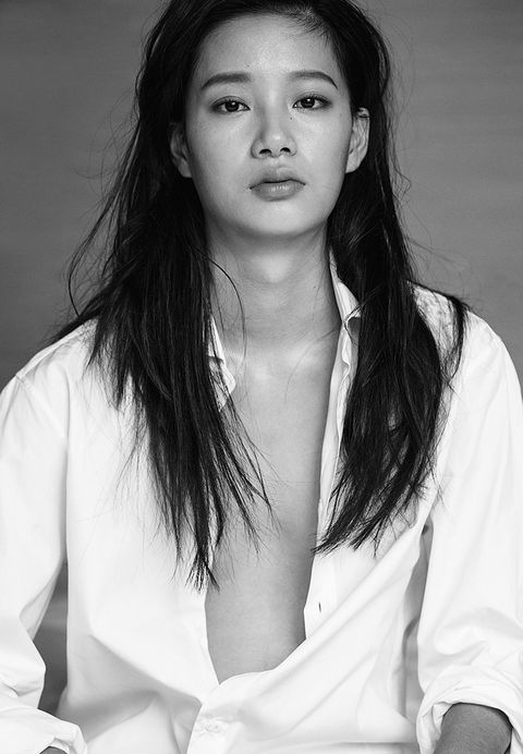 Hair, White, Face, Beauty, Hairstyle, Eyebrow, Black-and-white, Long hair, Lip, Photo shoot,
