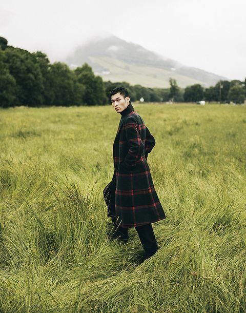 People in nature, Tartan, Plaid, Grassland, Pattern, Green, Grass, Sky, Grass family, Design,