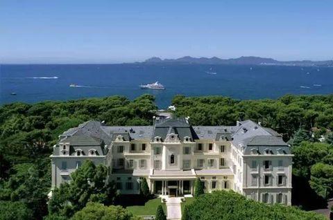 Property, Estate, Mansion, Natural landscape, Building, Real estate, House, Hill station, Home, Promontory,
