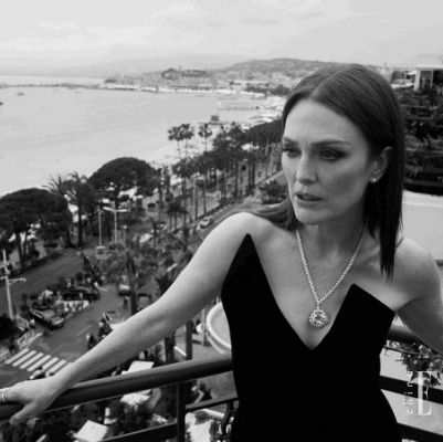 Photograph, Black, Black-and-white, Beauty, Monochrome, Monochrome photography, Photography, Photo shoot, Dress, Sea,