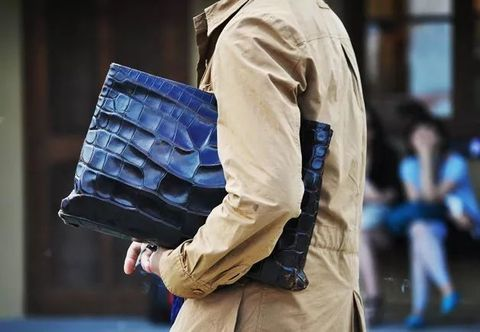 Street fashion, Fashion, Outerwear, Shoulder, Human, Bag, Jeans, Beige, Pocket, Jacket,