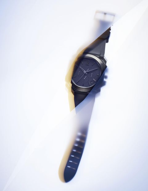 Analog watch, Watch, Strap, Material property, Watch accessory, Fashion accessory, Metal,