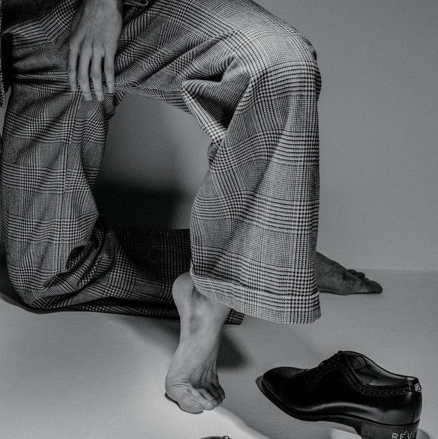 White, Black, Footwear, Shoe, Black-and-white, Monochrome, Human leg, Leg, Monochrome photography, Ankle,