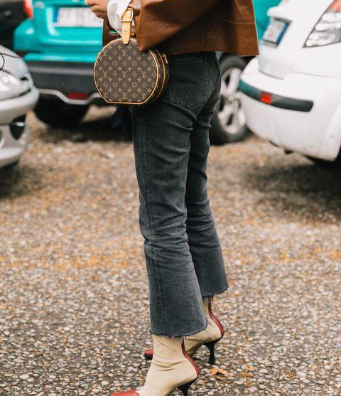 Street fashion, Clothing, Footwear, Jeans, Waist, Shoe, Leg, Pocket, Trousers, Joint,