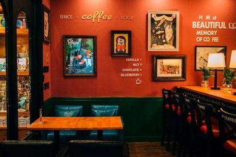 Room, Restaurant, Building, Interior design, Table, Bar, Furniture, Tavern, Business, Coffeehouse,