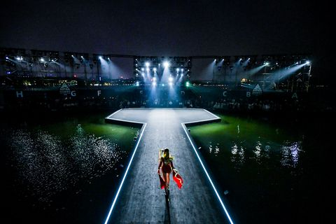 Night, Architecture, Recreation, Reflection, Stage, Space, Tourist attraction, Darkness, Boating, Performance,