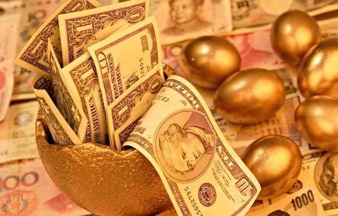 Cash, Money, Banknote, Currency, Saving, Money handling, Dollar, Paper, Metal, Paper product,