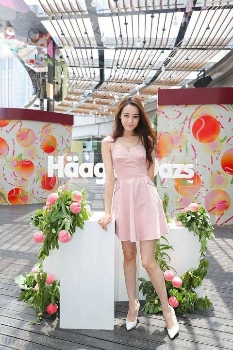 Clothing, Dress, Shoulder, Pink, Beauty, Cocktail dress, Fashion, Peach, Flower, Waist,