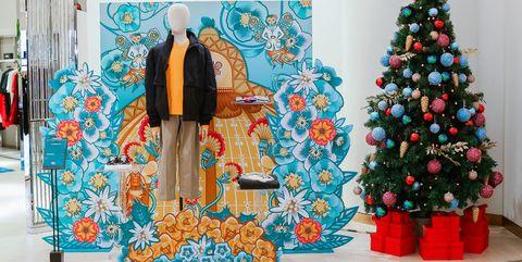 Christmas tree, Christmas decoration, Tree, Christmas, Christmas eve, Interior design, Room, Christmas ornament, Event, Tradition,
