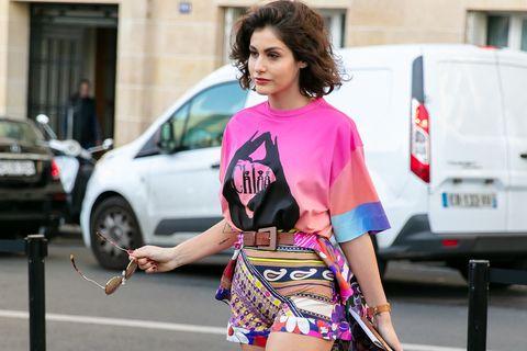 Clothing, Street fashion, Fashion, Pink, Leg, Beauty, Snapshot, Footwear, Human leg, Hairstyle,