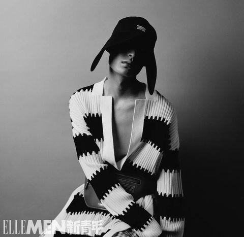 White, Beauty, Black-and-white, Fashion, Photography, Monochrome, Photo shoot, Outerwear, Monochrome photography, Model,