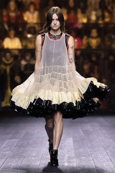 Fashion model, Fashion, Runway, Fashion show, Clothing, Dress, Haute couture, Fashion design, Event, Public event,