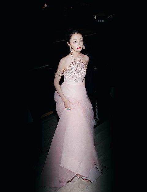 Gown, Wedding dress, Dress, Clothing, Shoulder, Bride, Bridal clothing, Bridal party dress, Bridal accessory, Beauty,