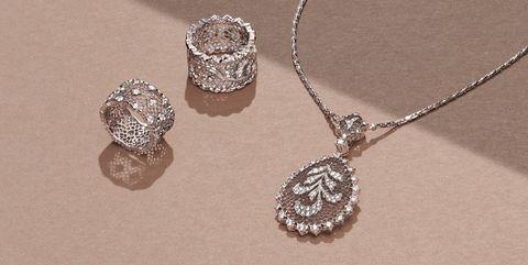 Jewellery, Body jewelry, Fashion accessory, Silver, Diamond, Necklace, Platinum, Silver, Chain, Pendant,