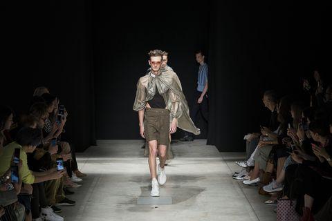 Runway, Fashion, Fashion model, Fashion show, Fashion design, Public event, Event, Human, Performance, Dress,