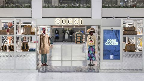 Boutique, Outlet store, Building, Fashion, Display window, Retail, Outerwear, Shopping mall, Door, Window,
