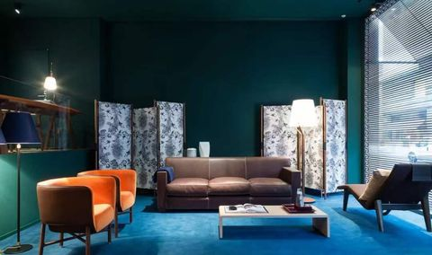 Room, Interior design, Living room, Property, Furniture, Building, Turquoise, House, Lobby, Couch,