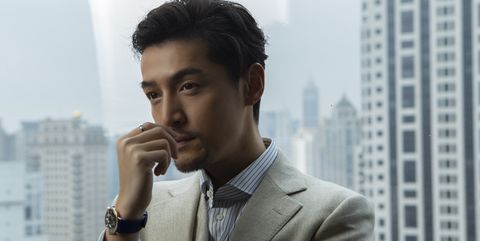 Suit, White-collar worker, Chin, Forehead, Urban area, Outerwear, Eye, Model, Lip, Formal wear,
