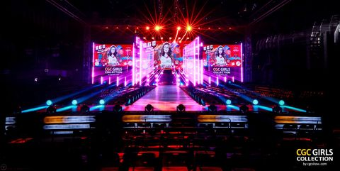 Stage, Light, Visual effect lighting, Lighting, Purple, Music venue, Performance, Technology, Neon, Event,