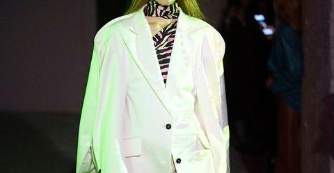 Fashion, Clothing, Suit, Green, Fashion model, Formal wear, Runway, Fashion design, Outerwear, Blazer,